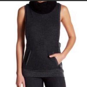 ALO yoga fleece vest Large